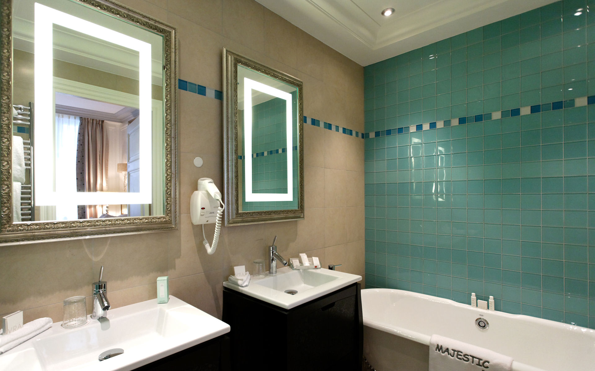 260/Suites/Suite junior/Suite Junior - Bathroom 10 -  Majestic Hotel-Spa.jpg