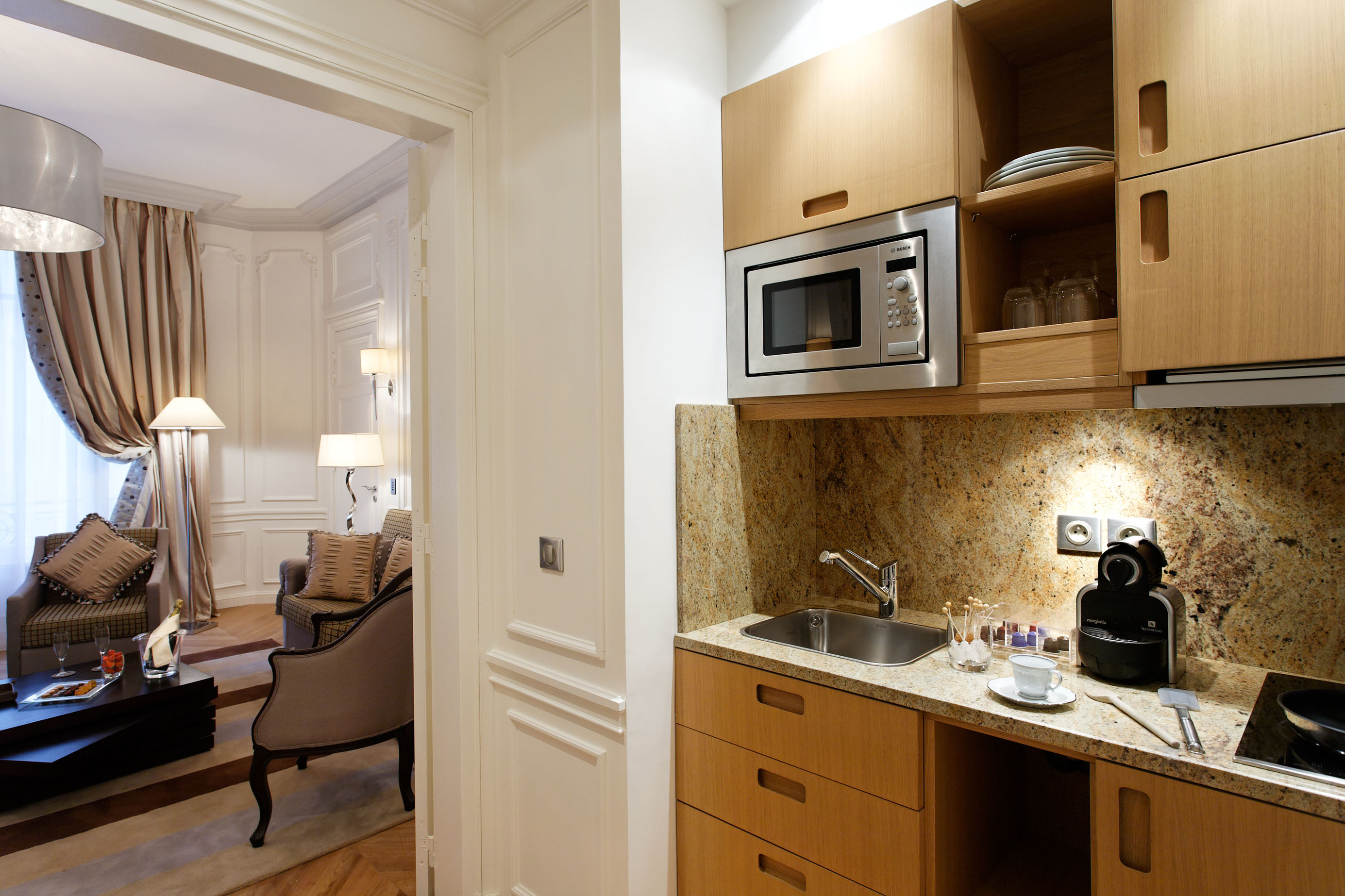 260/Suites/Suite junior/Suite_Junior_9_Kitchenette__CMajestic_Hotel-Spa.jpg
